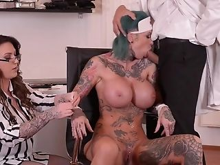 Slutty nurses have sexual fun with doctor at hospital