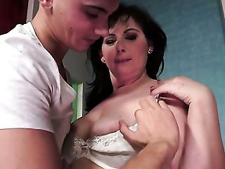 Brunette with huge hooters is too horny to stop sucking her mans rock solid meat pole