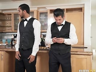 Jessie Wylde seduces a handsome waiter for a great fuck