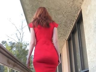Sexy Redhead MILF Kendra James Flash & Play