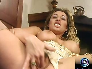 Antonella del Lago playing with her sex