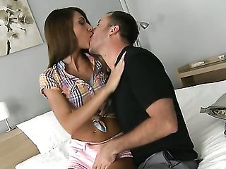 Brunette loses control after James Brossman puts his throbbing man meat in her mouth