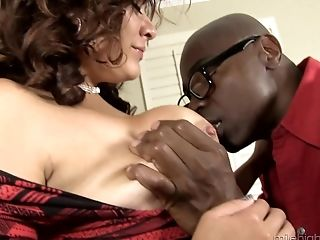 Mali Luna cannot wait to feel an erected black prick up her cunt